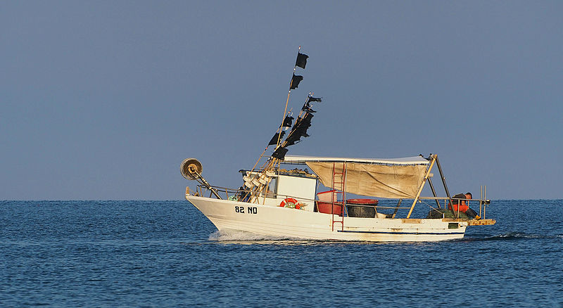 fishing_boat_in_adriatic_sea