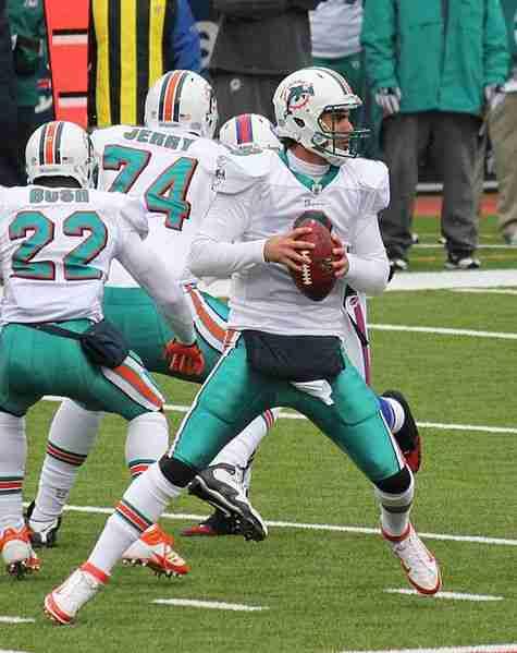 475px-dolphins_quarterback_matt_moore