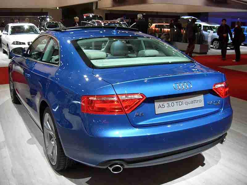 800px-Audi_A5_by_HSV