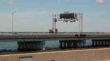 800px-Hampton_Roads_Bridge-Tunnel_eastbound_span