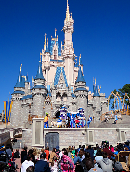 453px-Magic_Kingdom_castle