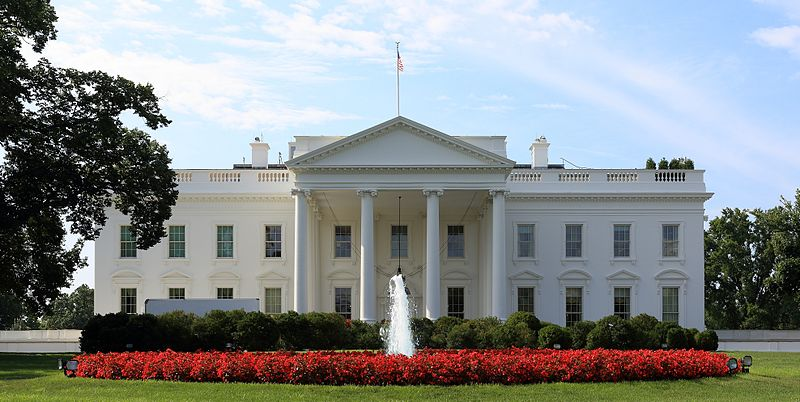 800px-White_House_north_side