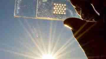 Glitter-Sized_Solar_Cells_(8230058366)