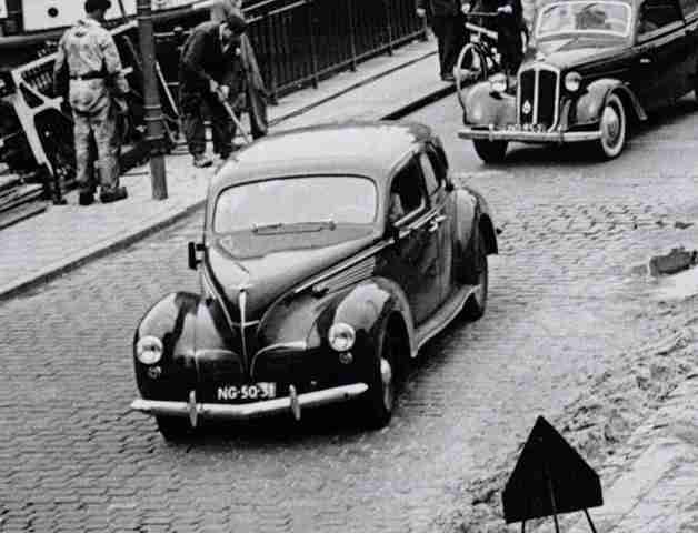 NG-50-31_Lincoln_Zephyr_V12_1938