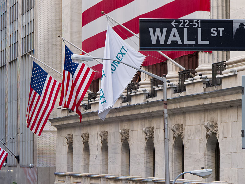 800px-Wall_Street_-_New_York_Stock_Exchange
