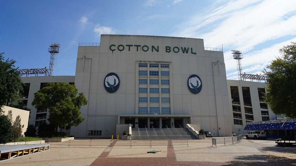Fair_Park_August_2016_40_(Cotton_Bowl_Stadium)