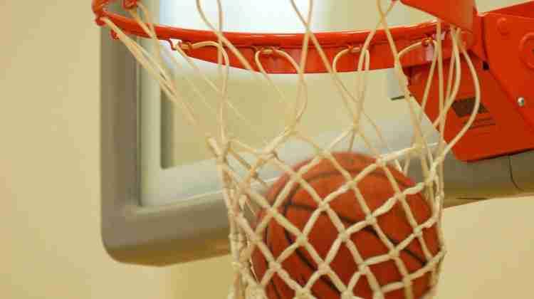 1140px-Basketball_through_hoop