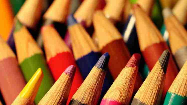 1200px-Coloredpencils