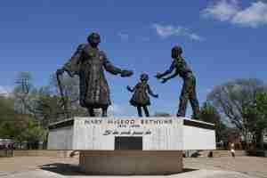 1A-Confederate Statue Bethune