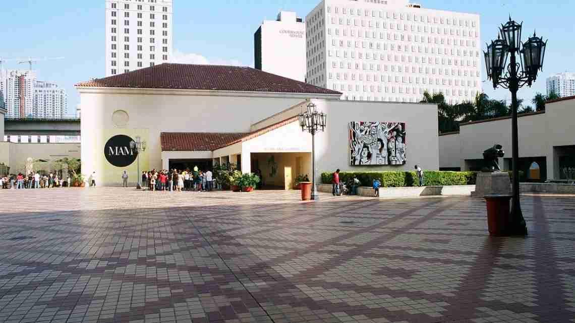 1200px-Miami_Art_Museum