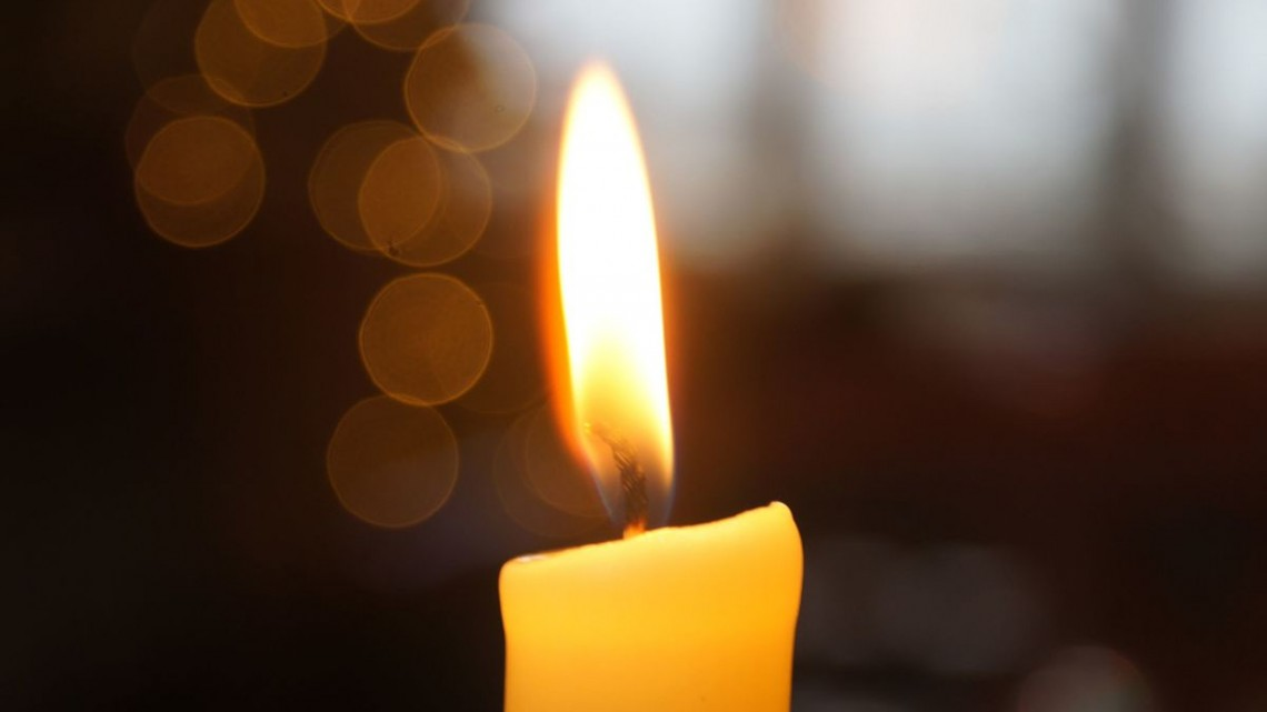 Candle_flame_closeup