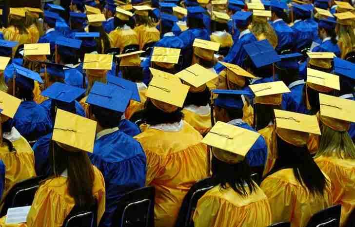 Graduates_of_Brunswick_High_in_2007