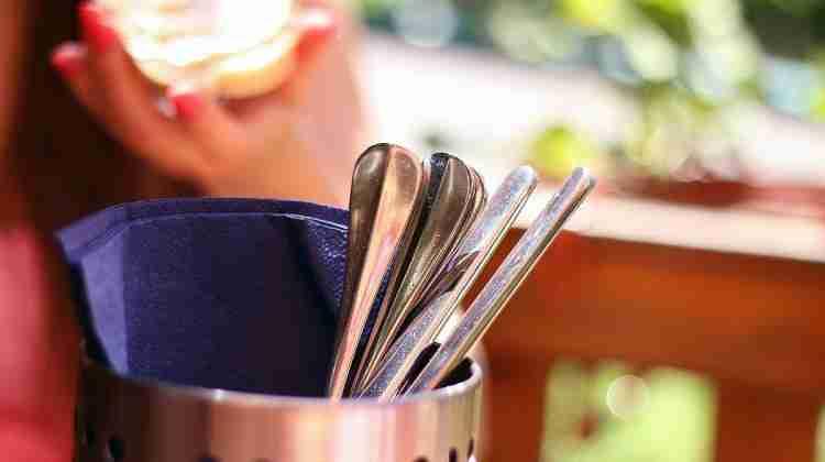 Lunch-cutlery-silverware-flatware_(23698537584)