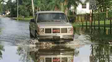 1200px-Hurricane_Irene_-_Flooding