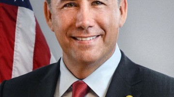 Mayor-philip-levine_portrait-767x1024