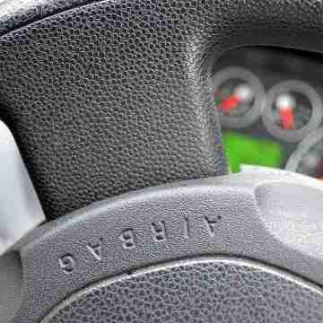 Steering_wheel_(7997353844)