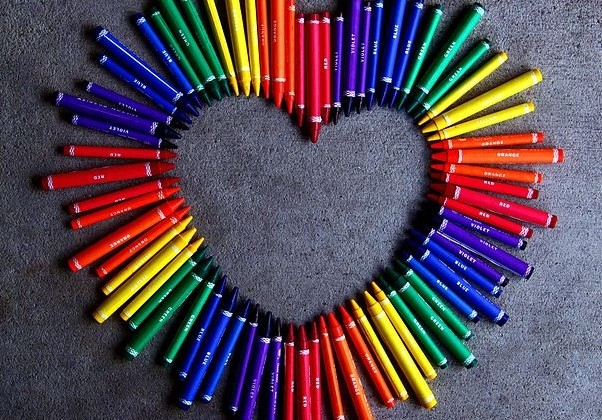 Love_Heart_With_Rainbow_Crayons_(4456978157)