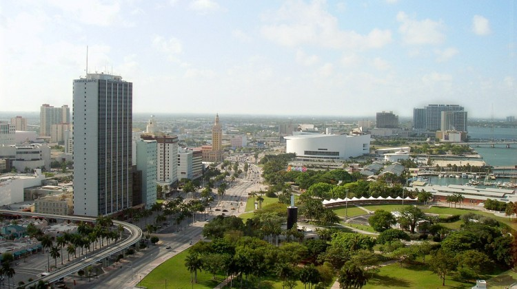1200px-Miami-downtown-from-intercontinental-hotel