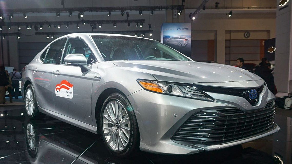 2018_Toyota_Camry_Hybrid_WAS_2017_1730