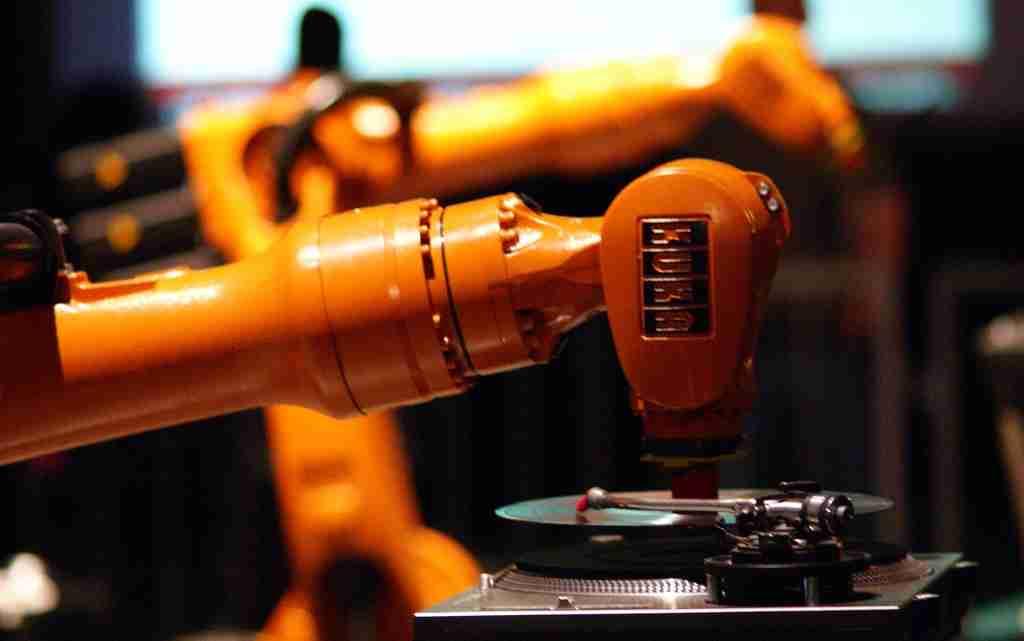 Industrial_Robot_DJ