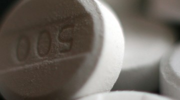 Paracetamol_acetaminophen_500_mg_pills_crop