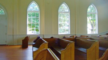 First_Lutheran_Church_Middleton_pews