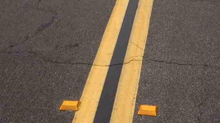 Raised_pavement_marker