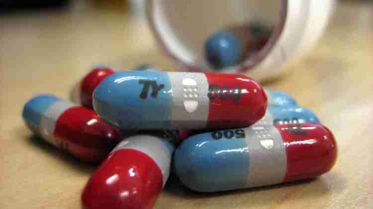 1200px-Tylenol_rapid_release_pills