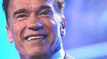 600px-Arnold_Schwarzenegger_in_Sydney,_2013