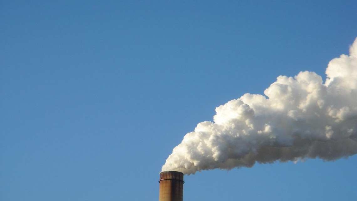 Zimmer_Power_Plant_Smoke_Stack_-_panoramio