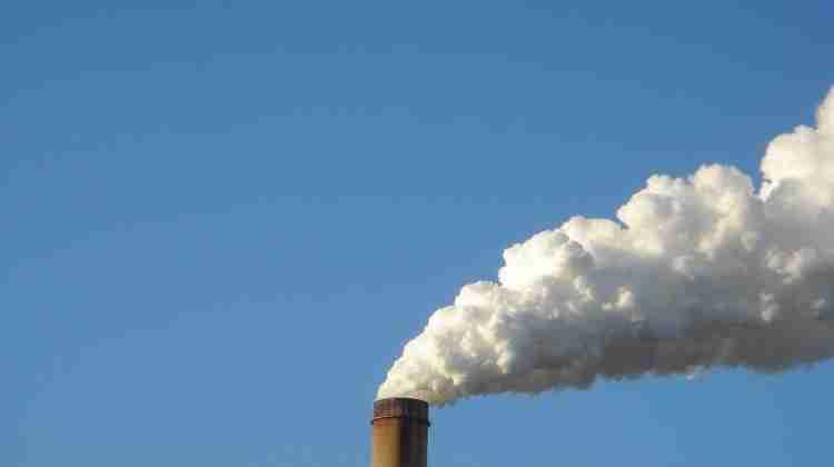 Zimmer_Power_Plant_Smoke_Stack_-_panoramio