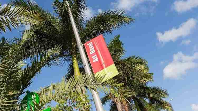 1200px-Art_Basel_in_Miami_Beach