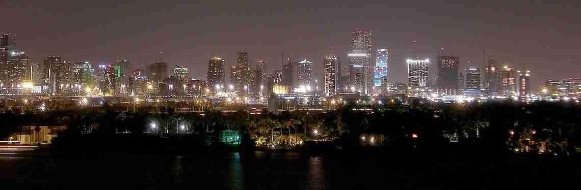 1200px-Miaminight122006
