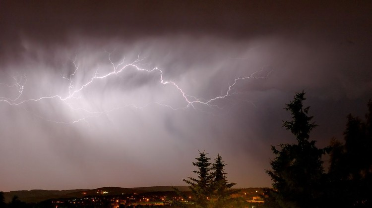 Lightning_cloud_to_cloud_(aka)