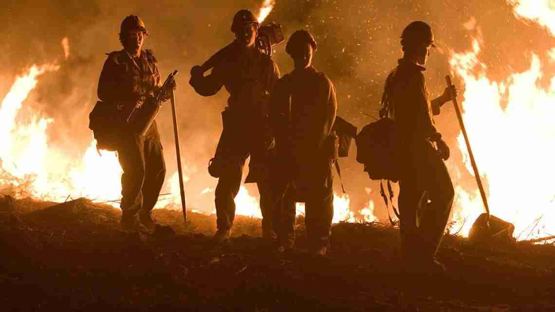 FEMA_-_33384_-_Northern_California_fire_crew_works_into_the_night_in_California