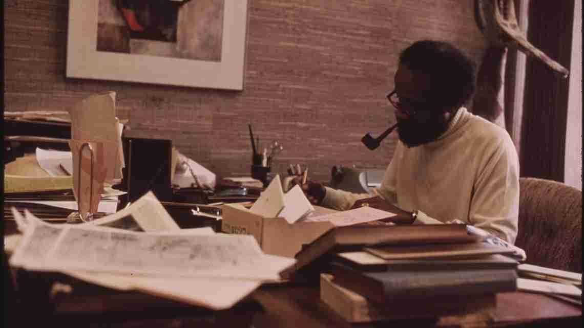 1200px-Lerone_Bennett,_Well_Known_Black_Writer_Who_Is_Senior_Editor_At_Ebony_Magazine,_10-1973_(8675966274)