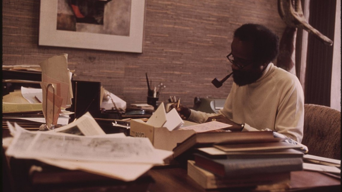 1200px-Lerone_Bennett,_Well_Known_Black_Writer_Who_Is_Senior_Editor_At_Ebony_Magazine,_10-1973_(8675966274)