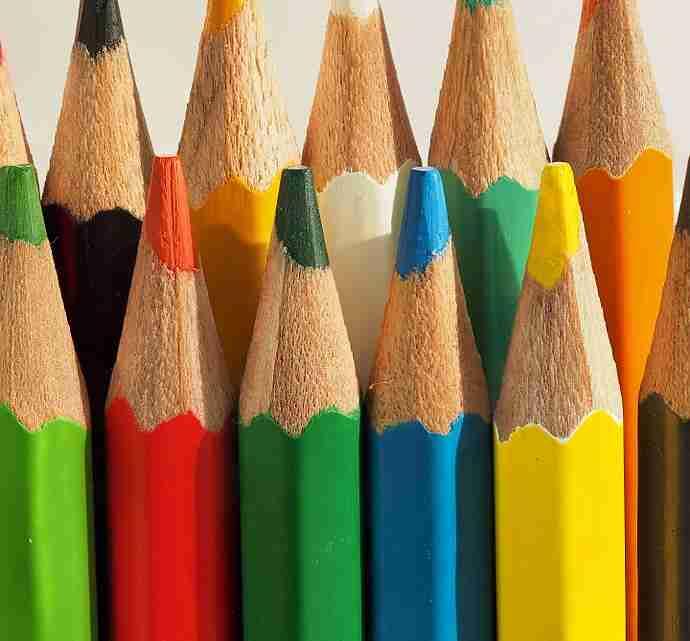 Colored_pencils_(дрвене_бојице)