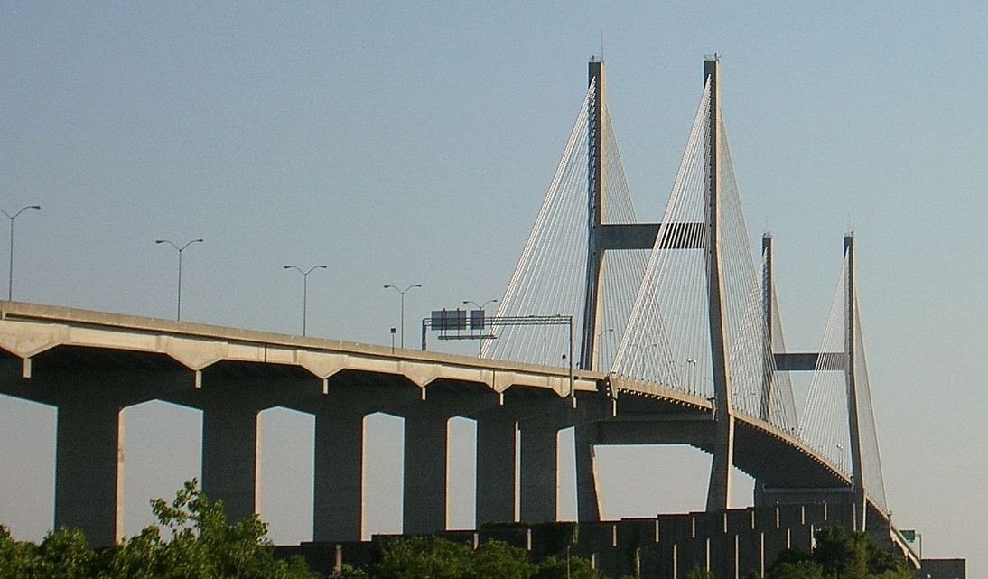 Talmadge_Bridge_-_Savannah,_GA
