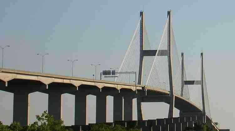 Talmadge_Bridge_-_Savannah,_GA