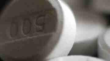 800px-Paracetamol_acetaminophen_500_mg_pills_crop