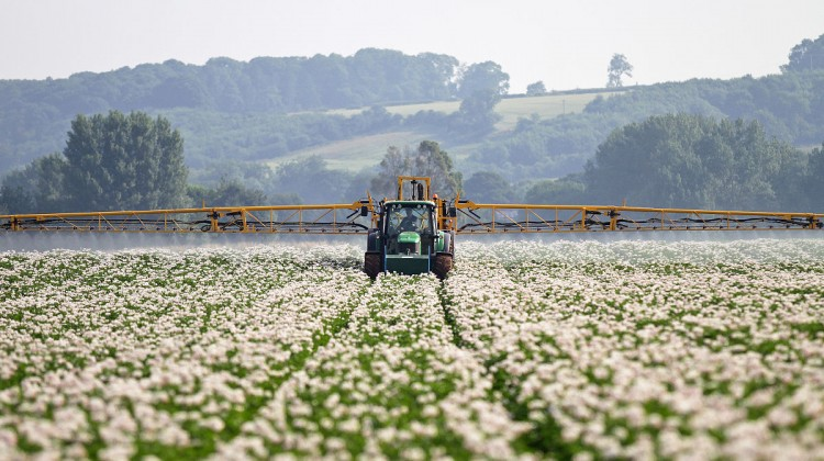 Potato_blight_spraying_system