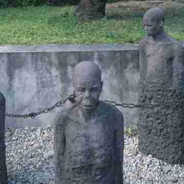 slave-market-memorial-P